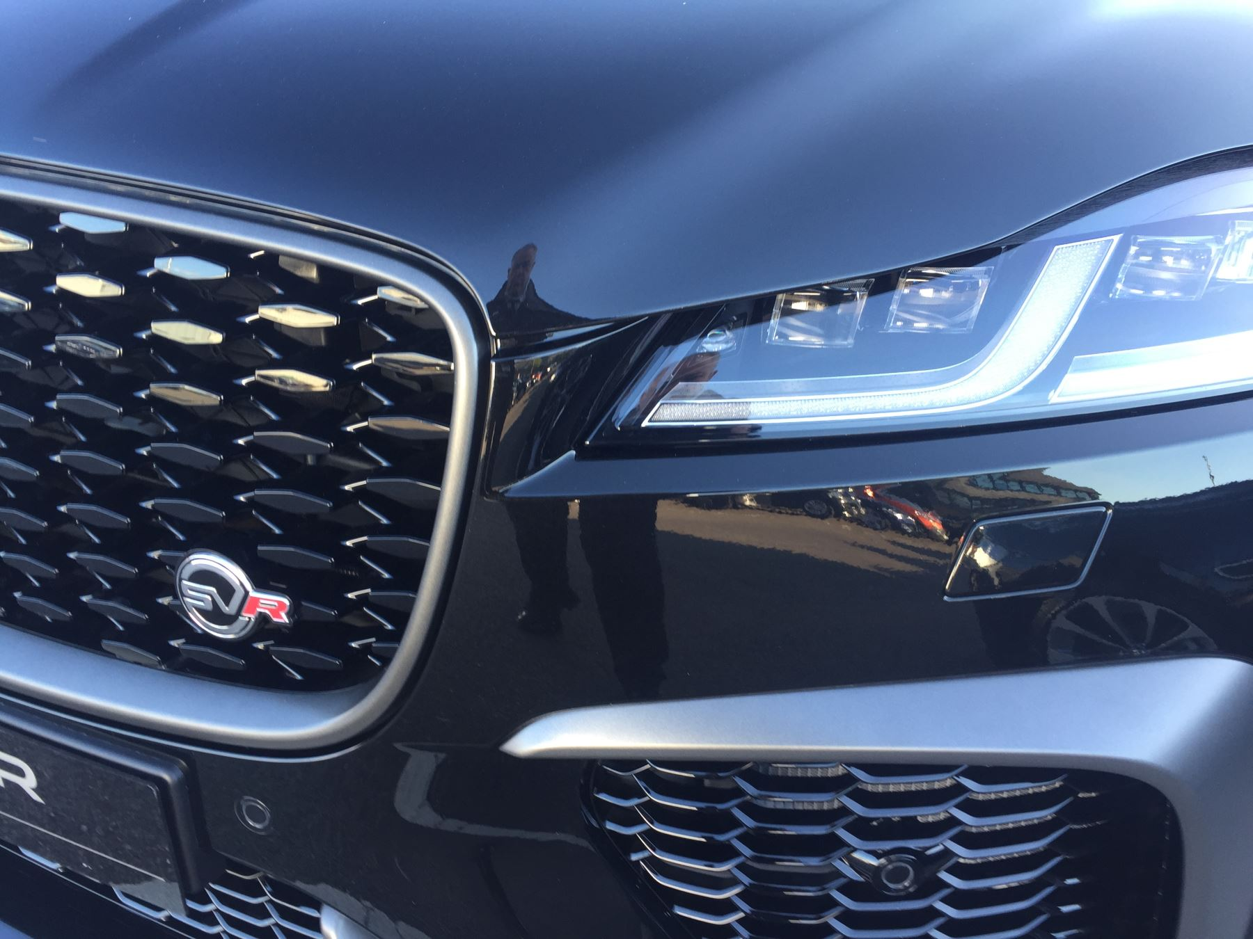 Jaguar F-PACE 5.0 Supercharged V8 SVR AWD image 3